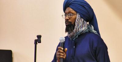 Imam-Luqman-Abdullah-speaks-on-behalf-of-Imam-Jamil-Al-Amin-in-2008